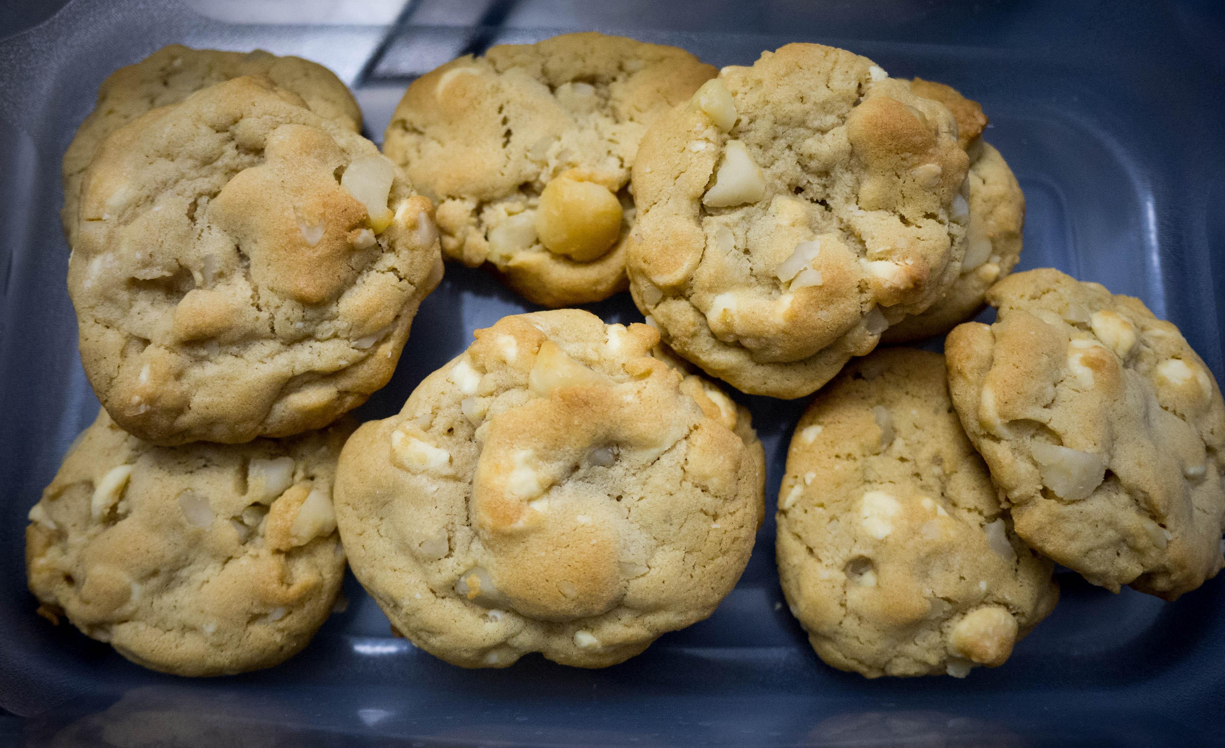 Baking] White chocolate macadamia nut cookies | Jinxi Eats